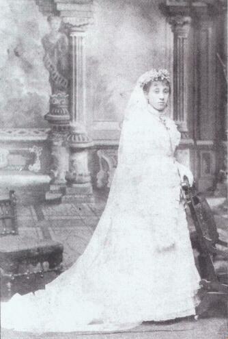 Ida McIntosh Dempsey in wedding dress Courtesy; Chicago Historical Society